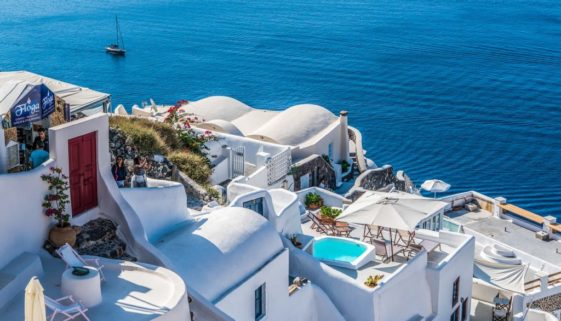 romantic destinations in Europe - santorini