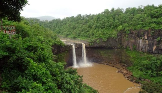 gira waterfalls in gujarat